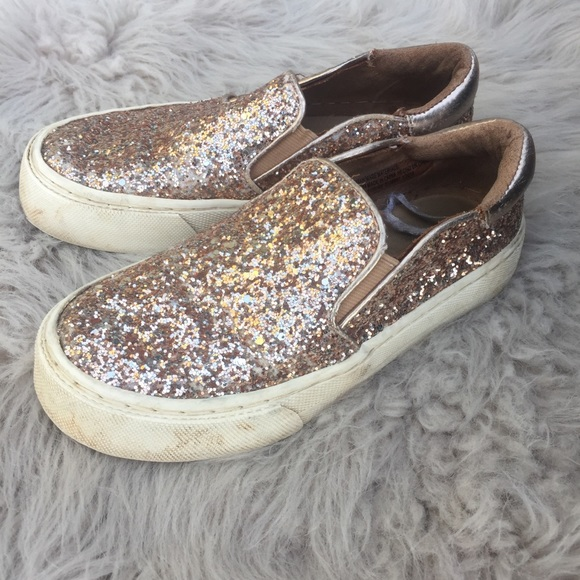 Place Shoes | Gold Glitter Slip